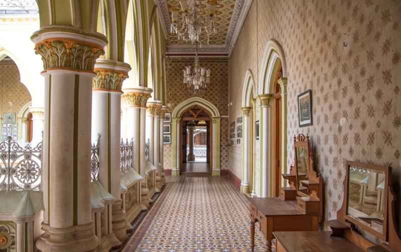 Karnataka: santuarios naturales, delirios de grandeza y contrastes urbanos - karnataka-interior-palacio-arquitectura-cultura