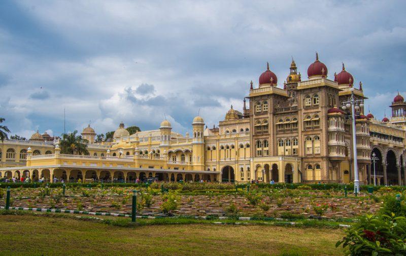 Karnataka: santuarios naturales, delirios de grandeza y contrastes urbanos - karnataka-palacio-arquitectura-cultura-viaje