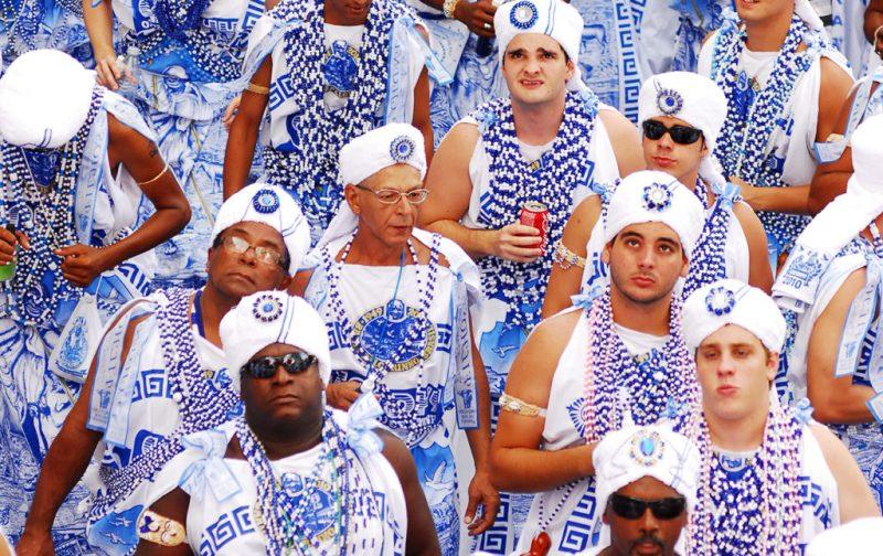 Carnaval: imágenes paganas - carnaval-salvador-ropa-azul-y-blanco-turbante