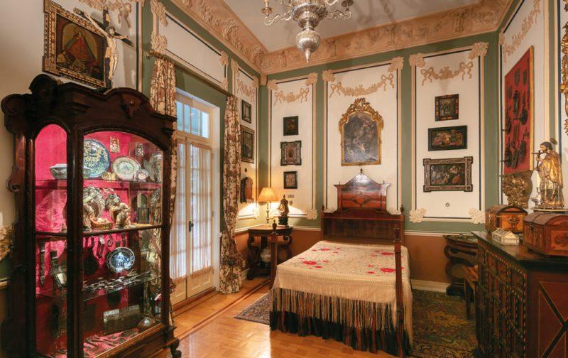Memorabilia: Casa Museo Guillermo Tovar de Teresa - cuarto-cama-interiores-decoracion