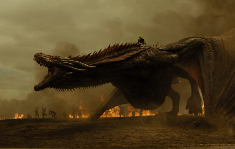 7 escenas clave del penúltimo capítulo de Game of Thrones - hotbook-escenas-clave-del-penultimo-capitulo-de-game-of-thrones-daenerys-targaryen-en-dragon