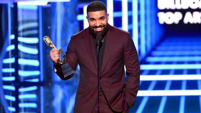 Los mejores momentos de los Billboard Music Awards 2019 - hotbook-los-momentos-mas-memorables-de-los-billboard-music-awards-2019-5