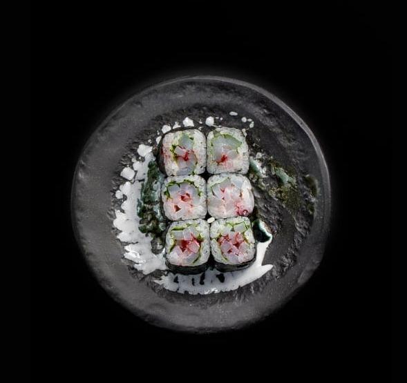 Rollos de sushi exóticos en la CDMX - hotbook-rollos-de-sushi-exoticos-cdmx_rollo-de-calamar-en-kumoto