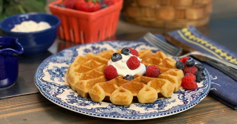 Seis recetas keto que te encantarán - hotbook_dietaketorecetas_waffles