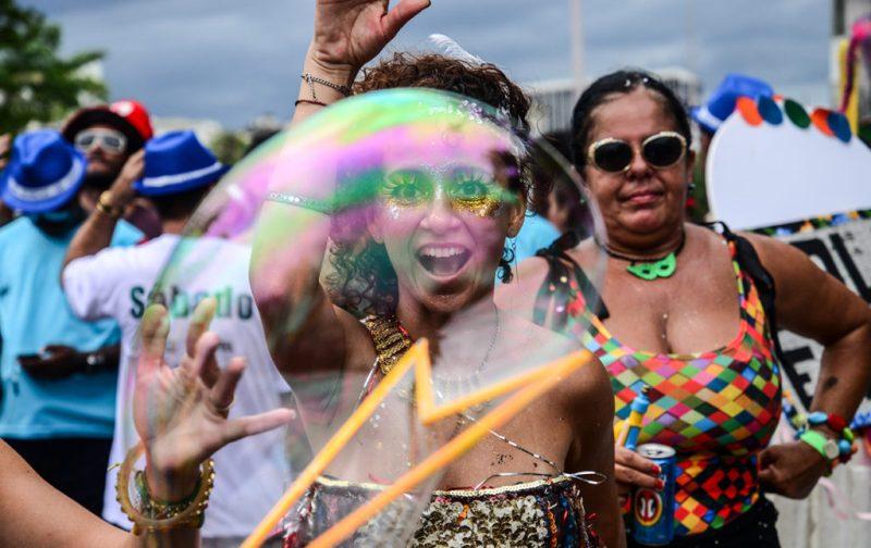 Carnaval: imágenes paganas - rio-de-janeiro-burbuja-carnaval-baile-fiesta
