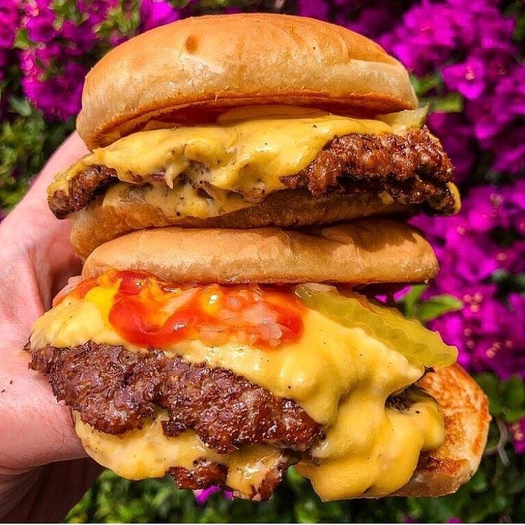 Las hamburguesas que debes probar en Los Ángeles - burgers-never-say-die