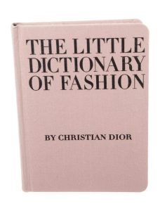 6 libros sobre el mundo de la moda - 6-the-little-dictionary-of-fashion-228x300