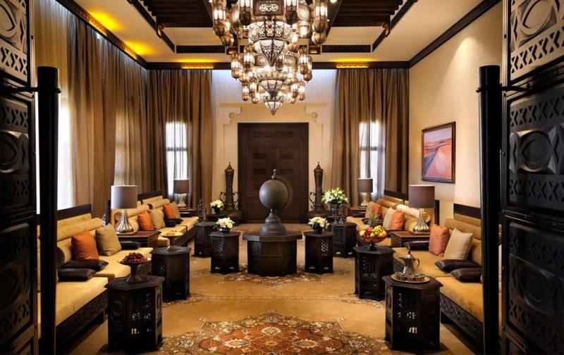 Anantara, un resort de lujo en Abu Dabi - hotbook_anantara_sala_candelabro_abudhabi