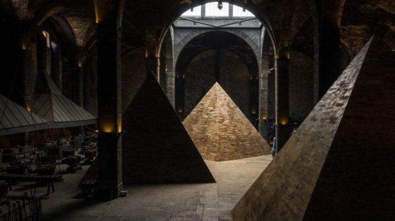 Dicotomías del poder, una instalación de Jachen Schleich y Derek Dellekamp - dicotomias-poder-1