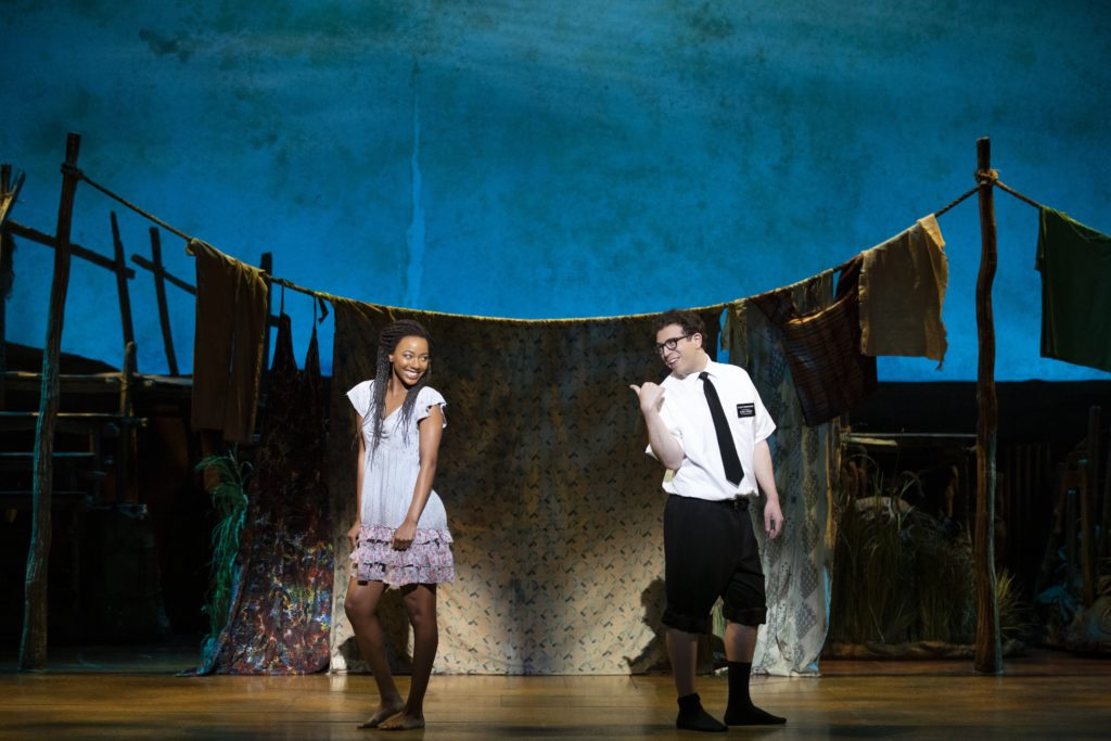The Book of Mormon: entrevista con Jordan Matthew Brown y Alyah Chanelle Scott - The book of mormon entrevista portada