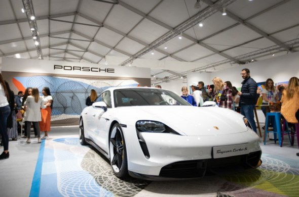 Porsche presenta su nuevo coche eléctrico durante SCOPE