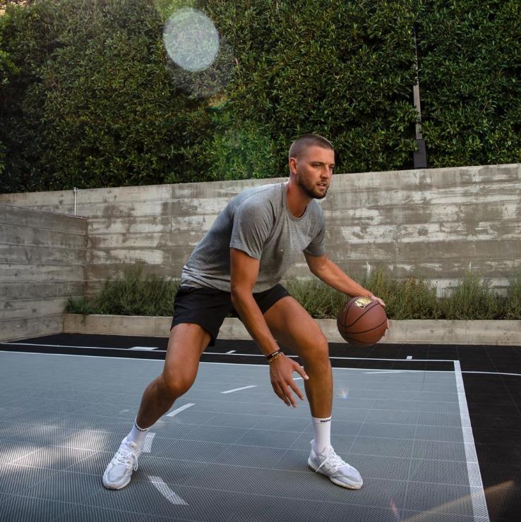5 marcas deportivas que integran avanzada tecnología - lululemon-ropa-deportiva-workout