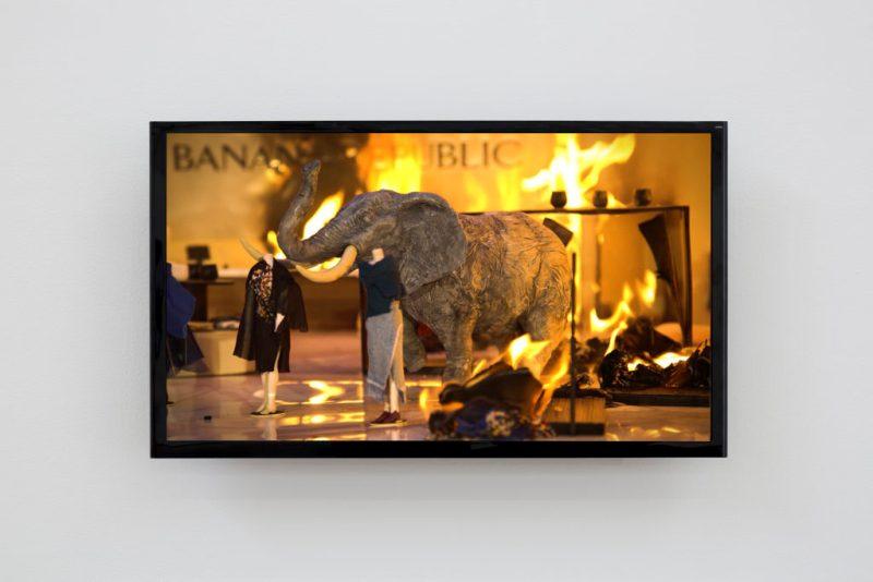 """Oráculo"", la primera exposición de Yoshua Okón en Proyectos Monclova - yoshua-okon-6"