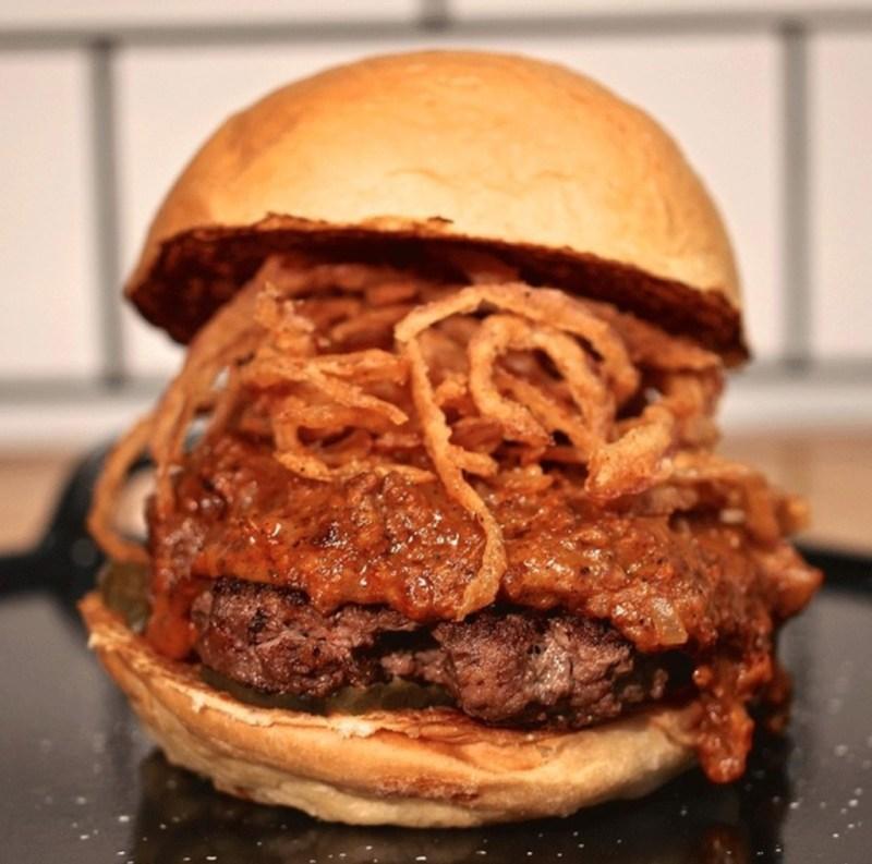 Las mejores hamburguesas para disfrutar en casa - las-mejores-hamburguesas-que-podras-disfrutar-desde-casa-coronavirus-covid-cuarentena-3