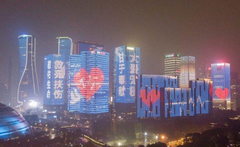 Actos de solidaridad en el mundo: iluminan de azul y rojo los corazones de estas ciudades - actos-de-solidaridad-alrededor-del-mundo_2