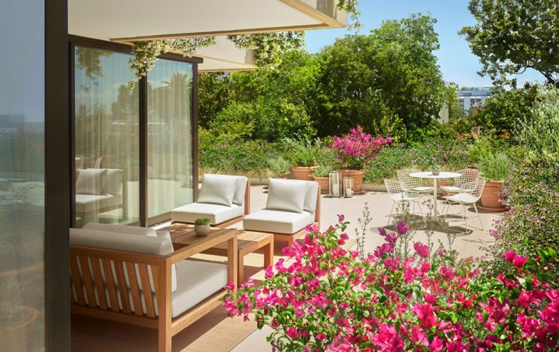 The West Hollywood Edition, un hotel fuera de serie - hotbook_thewesthollywood-terraza-flores-naturaleza