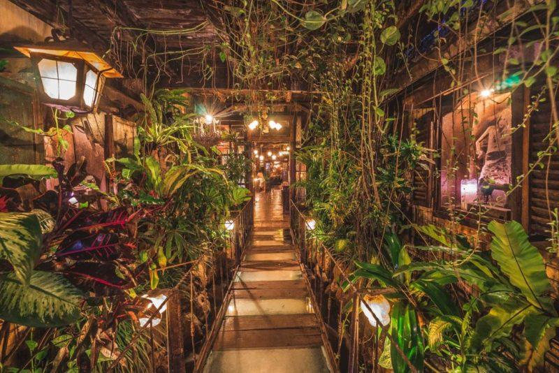 16 de los restaurantes más instagrameables del mundo - la-favela-en-bali-indonesia