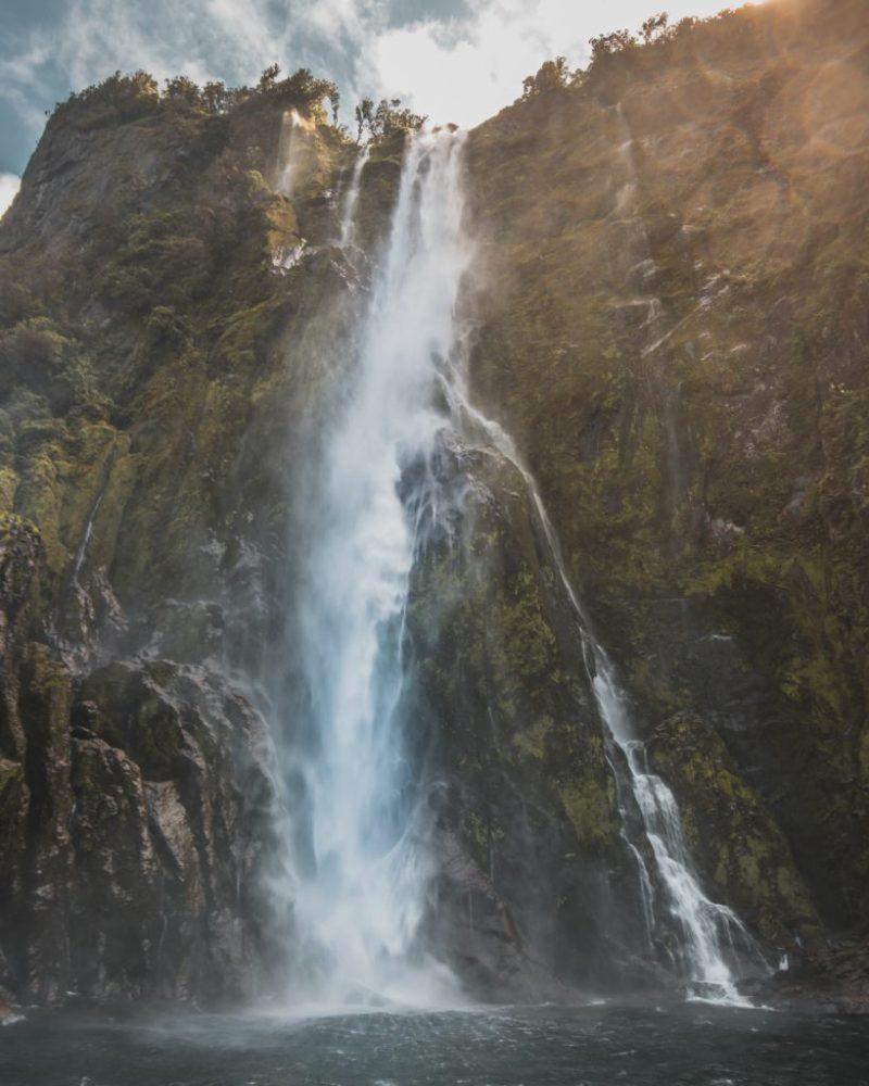 30 impactantes fotografías que te transportarán a lugares increíbles - milford-sound-nueva-zelanda-foto-impactantes-lugares-alrededor-del-mundo-que-jamas-deberas-borrar-del-mapa-fotos-foodies-instagram-tiktok-online-coronavirus-covid-19