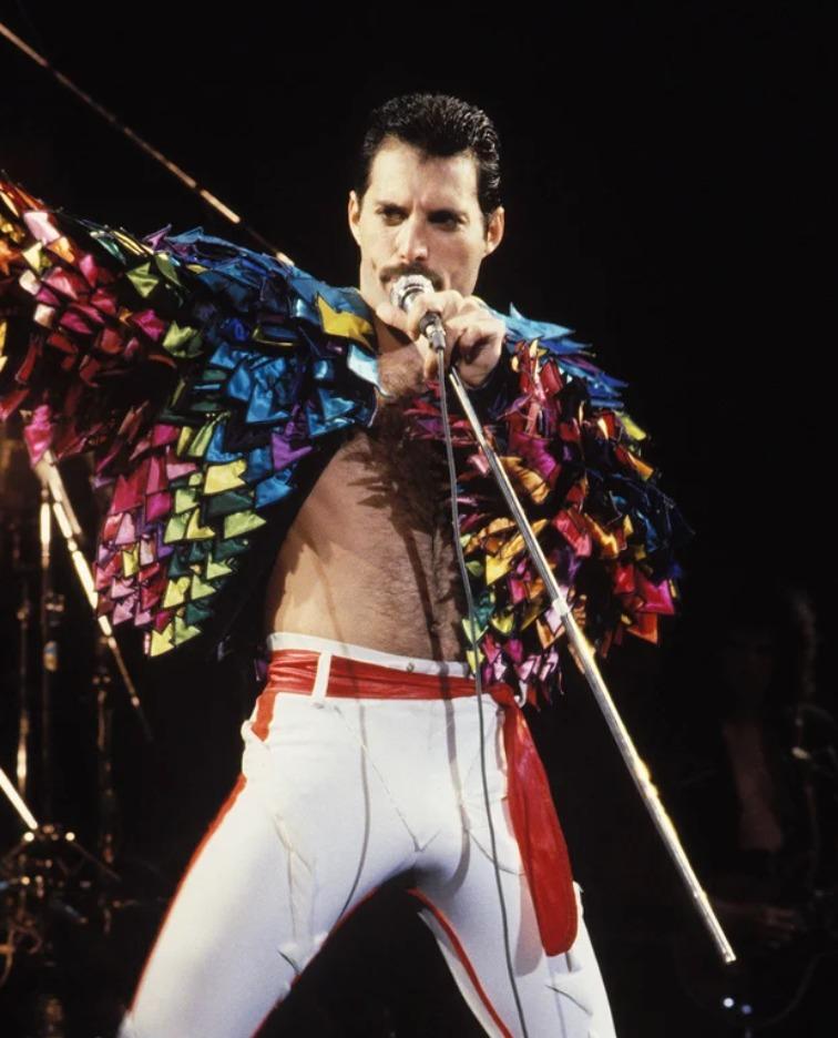 Tus películas favoritas en un mismo lugar, revive la emocionante vida de Freddie Mercury en el Autocinema Platino Cinemex presentado por AT&T - todo-lo-que-tienes-que-saber-sobre-freddie-mercury-bohemian-rhapsody-10