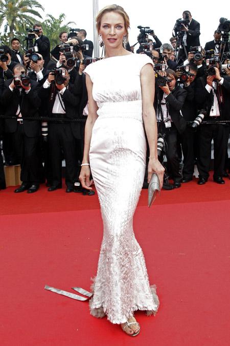 Cannes Rebels: el estricto código de vestimenta del festival y quién lo ha roto - uma-thurman-cannes-rebels-el-estricto-codigo-de-vestimenta-del-festival-de-cannes-y-quien-lo-ha-roto-zoom-cannes-film-festival-online-tiktok-instagram-foodie