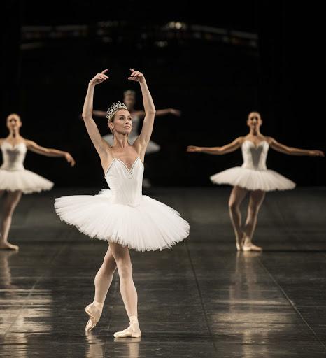 Dior x Ópera de París: taller de ballet online - dior-x-opera-de-paris-taller-de-ballet-online-2-1