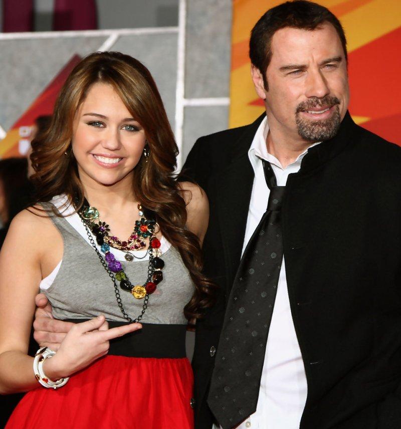 12 datos curiosos de John Travolta que debes conocer - curiosidades-de-john-travolta-que-debes-conocer-kelly-preston-google-online-zoom-viaje-vacaciones-verano-google-fotos-foto-6