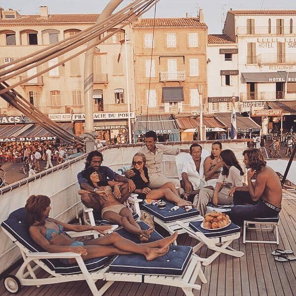La época de oro de la Riviera Francesa - jada-smith-france-paris-saint-tropez-fashion-tie-dye