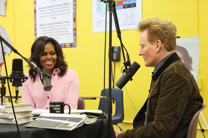 Todo lo que tienes que saber sobre el nuevo podcast de Michelle Obama - todo-lo-que-tienes-que-saber-sobre-el-nuevo-podcast-de-michelle-obama-the-michelle-obama-podcast-google-coronavirus-covid-vacuna-google-online-4