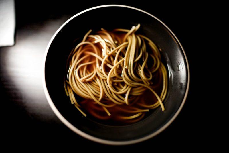 10 tips para llevar tu instant ramen al siguiente nivel - tips-para-llevar-tu-instant-ramen-al-siguiente-nivel-noodles-gourmet-comida-platillos-google-online-coronavirus-google-covid-19-verano-viajes-8
