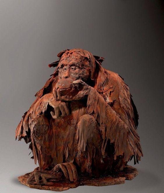 15 obras de arte hechas con chocolate - escultura-de-chimpance-por-patrick-roger-paris-15-obras-de-arte-hechas-con-chocolate