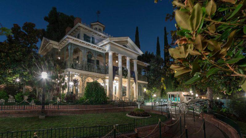 Icónicas atracciones de Disney que están inspiradas en un destino real - iconicas-atracciones-de-disney-que-estan-inspiradas-en-un-destino-real-google-walt-disney-world-viaje-atracciones-landmarks-travel-google-online-instagram-tiktok-zoom-covid-19-google-meet