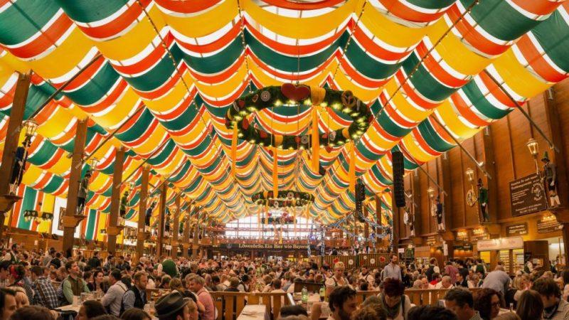 Sumérgete en el auténtico folklor alemán desde casa con Das Oktoberfest CDMX - das-oktoberfest-cdmx-2020-meteorito-televisa-deportes-hubie-halloween-mexico-holanda-mark-kelly-2