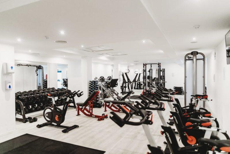 Gym 101: conoce los nuevos protocolos de seguridad en gimnasios - gym-101conoce-los-protocolos-de-seguridad-que-se-estan-implementando-en-los-gimnasios-fitness-studio-barre-pilates-siclo-barrys-spinning-google-online-sana-distancia-covid-19-amazon-online-googl-2