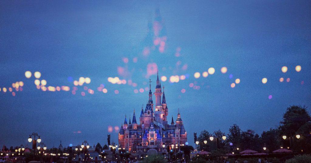 15 datos que probablemente no conocías acerca de los castillos de Disney - Portada 15 datos que probablemente no conocías acerca de los castillos de Disney alrededor del mundo Disney castillos Disney castles cinderella tokyo shanghai paris google amazon viajes navidad google Disney