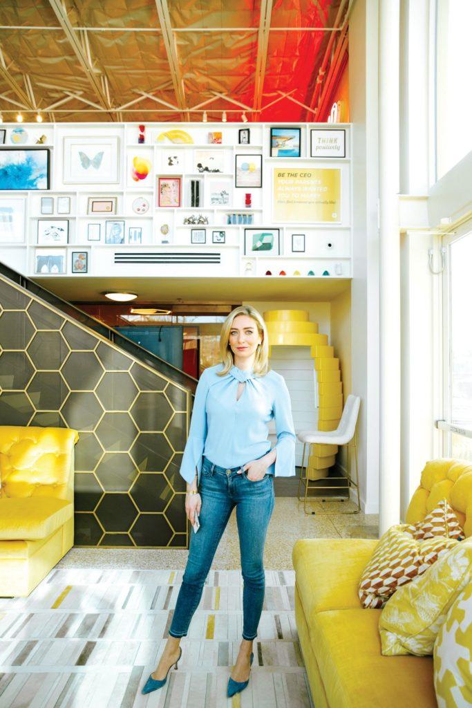 Conoce a Whitney Wolfe, la nueva millonaria detrás de la idea revolucionaria de Bumble - foto-3-2