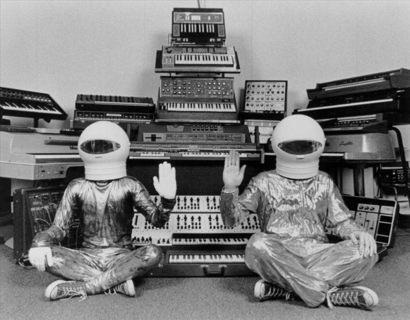 Daft Punk, el legendario dúo de música house, se separa - foto-8-daft-punk-el-legendario-duo-de-musica-house-se-separa-napoli-andres-roemer-uv-manchester-united-reina-isabel-uas