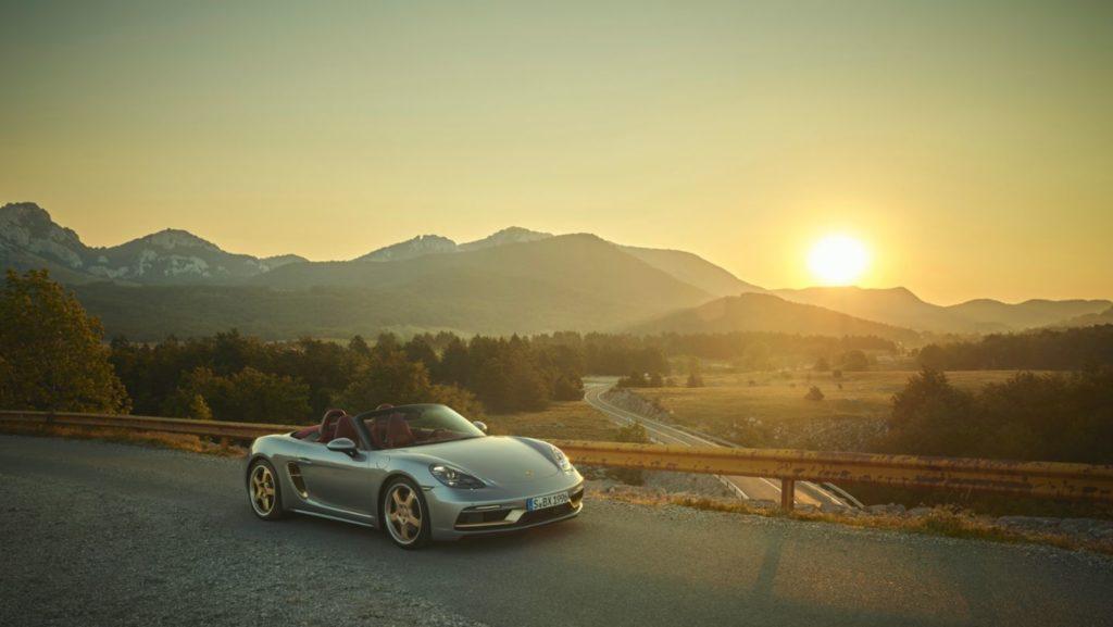 Porsche celebra el 25 aniversario de la familia roadster muy a su manera - Porsche Boxster 25 aniversario Gina Carano Bumble Lakers Tilray Stock Mary Wilson Aunt Jemima portada