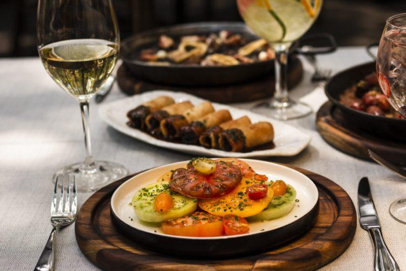 Emilio de Grupo Carolo, un restaurante vasco en el corazón de Polanco - ensalada-emilio-de-grupo-carolo-el-restaurante-vasco-que-deleitara-tus-sentidos-en-el-corazon-de-polanco