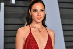 New mommy in (Hollywood) town! Gal Gadot confirma que está esperando un bebé - Portada New Mommy in hollywood town Gal Gadot confirma que está esperando un bebé gal gadot embarazada gal gadot google wonder women wonder women embazarada gal gadot Israel google amazon Instagram tiktok google