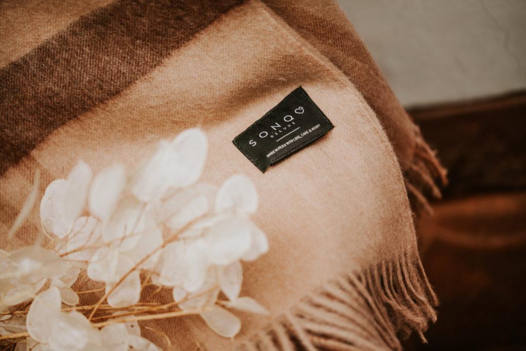 Sonqo, una marca hecha desde el corazón - sonqo-una-marca-hecha-desde-el-corazon-europa-league-jared-leto-4