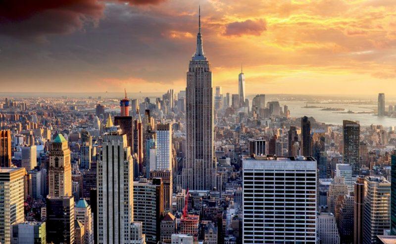 10 spots para visitar y tener buena suerte (solo si das un beso) - el-empire-state-building-en-nueva-york-5-spots-para-visitar-y-tener-buena-suerte-solo-si-te-das-un-beso