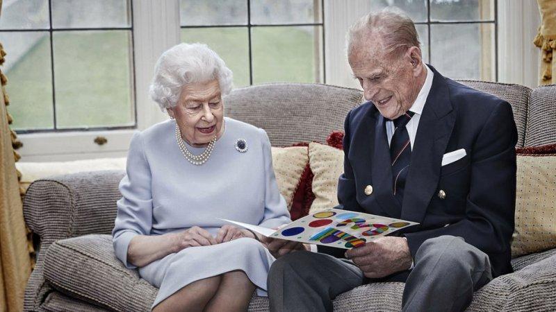 En memoria del príncipe Philip, duque de Edimburgo y compañero de la reina Isabel II - en-memoria-del-principe-philip-duque-de-edimburgo-y-el-fiel-compancc83ero-de-la-reina-isabel-ii-prince-philip-queen-elizabeth-ii-prince-philip-queen-elizabeth-duque-of-edinburg-queens-husband-12