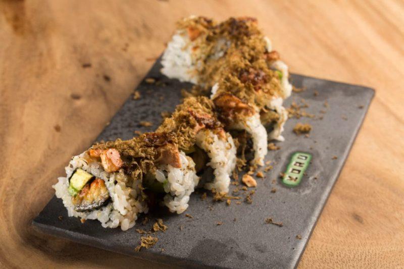Yoru Handroll and Sushi Bar, una propuesta culinaria japonesa que conquistará tu paladar - foto-6-el-emblema-de-yoru-representa-el-movimiento-de-una-cultura-global-sofisticada-que-esta-siempre-atenta-al-cambio-y-mantiene-la-ciriosidad-al-maximo