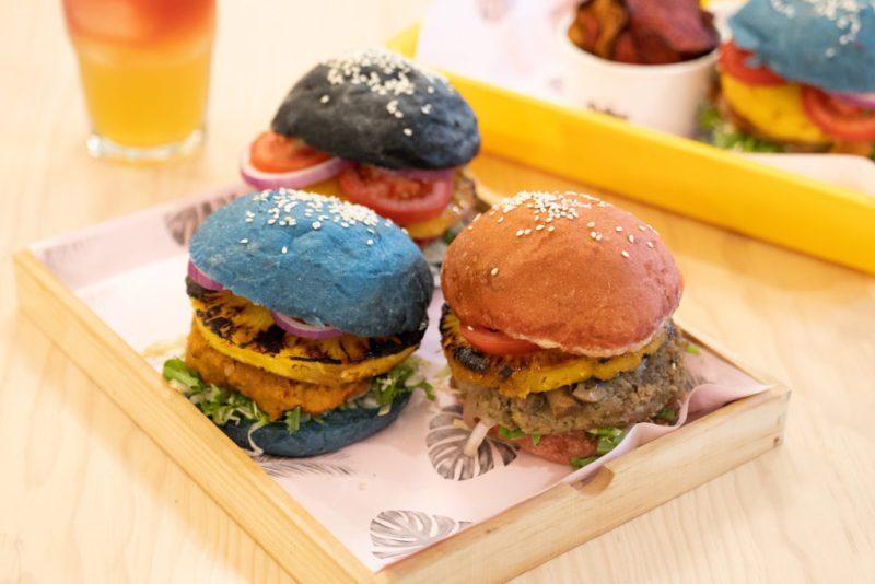 Vegan burgers, los mejores lugares en la CDMX para disfrutarlas - pulpa-amor-liquido-vegan-burgers-los-mejores-lugares-para-disfrutarlas