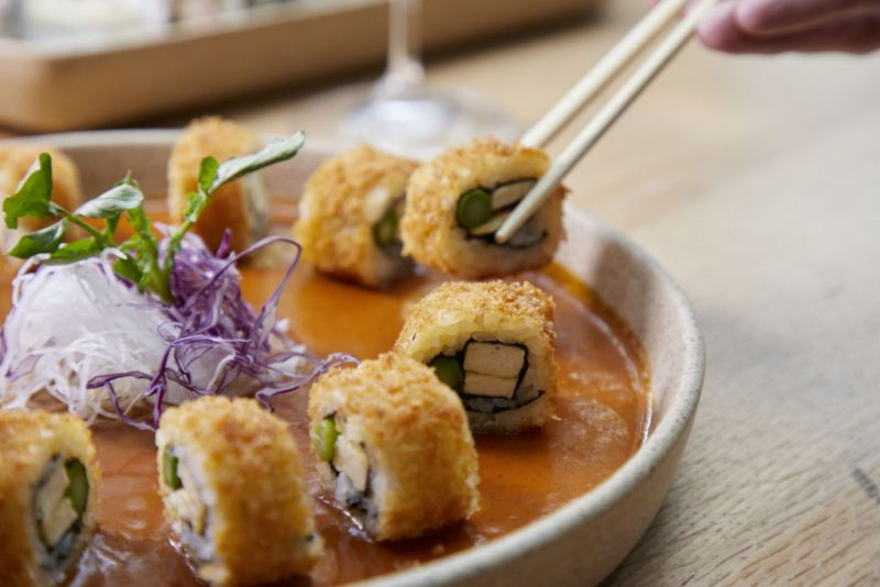 Llegan a Piedra Sal bowls y sushis by Tori Tori - Piedra-Sal-Sushi-empanizado