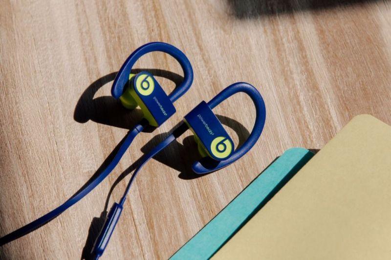 Smart traveling: gadgets que necesitas para tu próximo viaje - beats-4-travel-essential