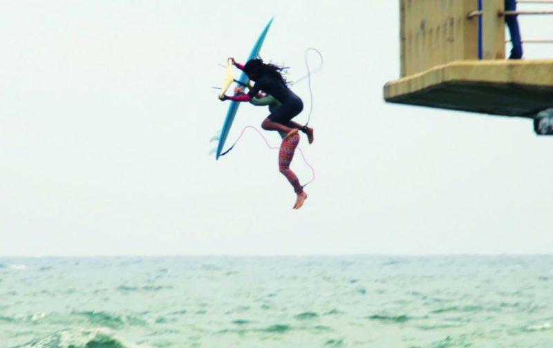 Chicks on Boards, el surf como movimiento de liberación - chicks-on-boards-5