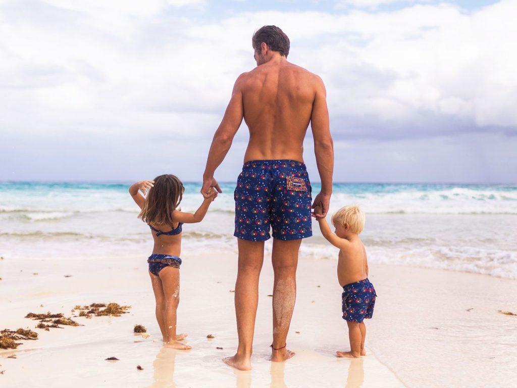 Let's go to the beach! Protege tu piel del sol con Aramare Swimwear, un producto con causa