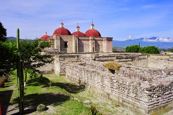 18 pueblos mágicos que definitivamente tienes que conocer en México - mitla-oaxaca-18-pueblos-magicos-que-definitivamente-tienes-que-conocer-en-mexico