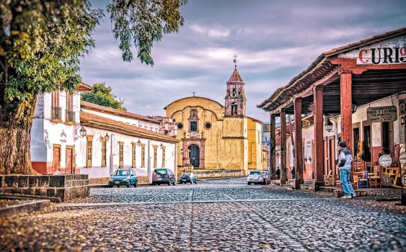 18 pueblos mágicos que definitivamente tienes que conocer en México - patzcuaro-michoacan-15-pueblos-magicos-que-definitivamente-tienes-que-conocer-en-mexico